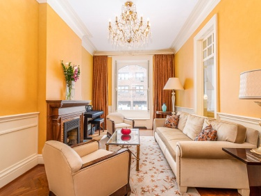 Beautiful red brick townhouse on the Upper East Side wants $5.75M